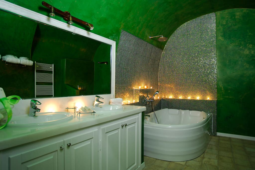 Sensational Jacuzzi Experience within the ROMANCE Suite.