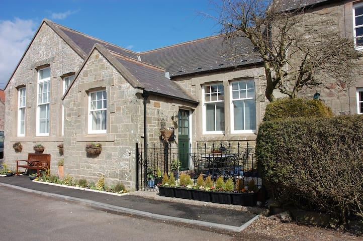 Beautiful Old School, Sleeps 10 - Scottish Borders - House