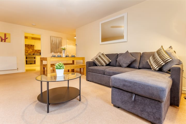 Cosy 2 bedroom Flat in Malvern - Hillbrook House 4