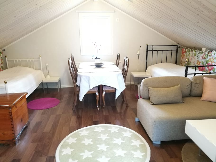 Two single beds and a kitchen table for 4 persons. A baby chair is also available.