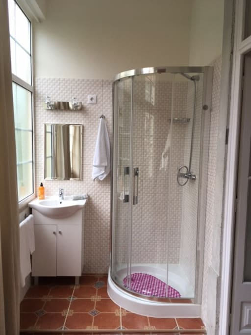 shower and washer