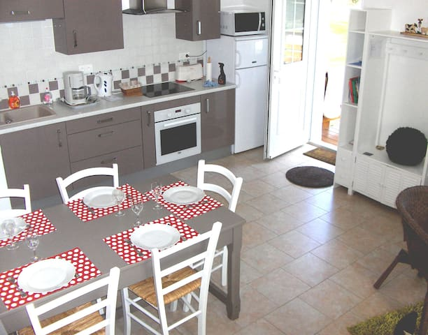 Close to Disney Parks, Nice House of 3 bedrooms - Vincy-Manœuvre - Huis