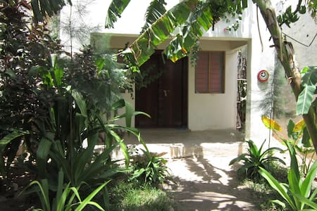 Seafront Guesthouse, Miji Room - Lamu - House