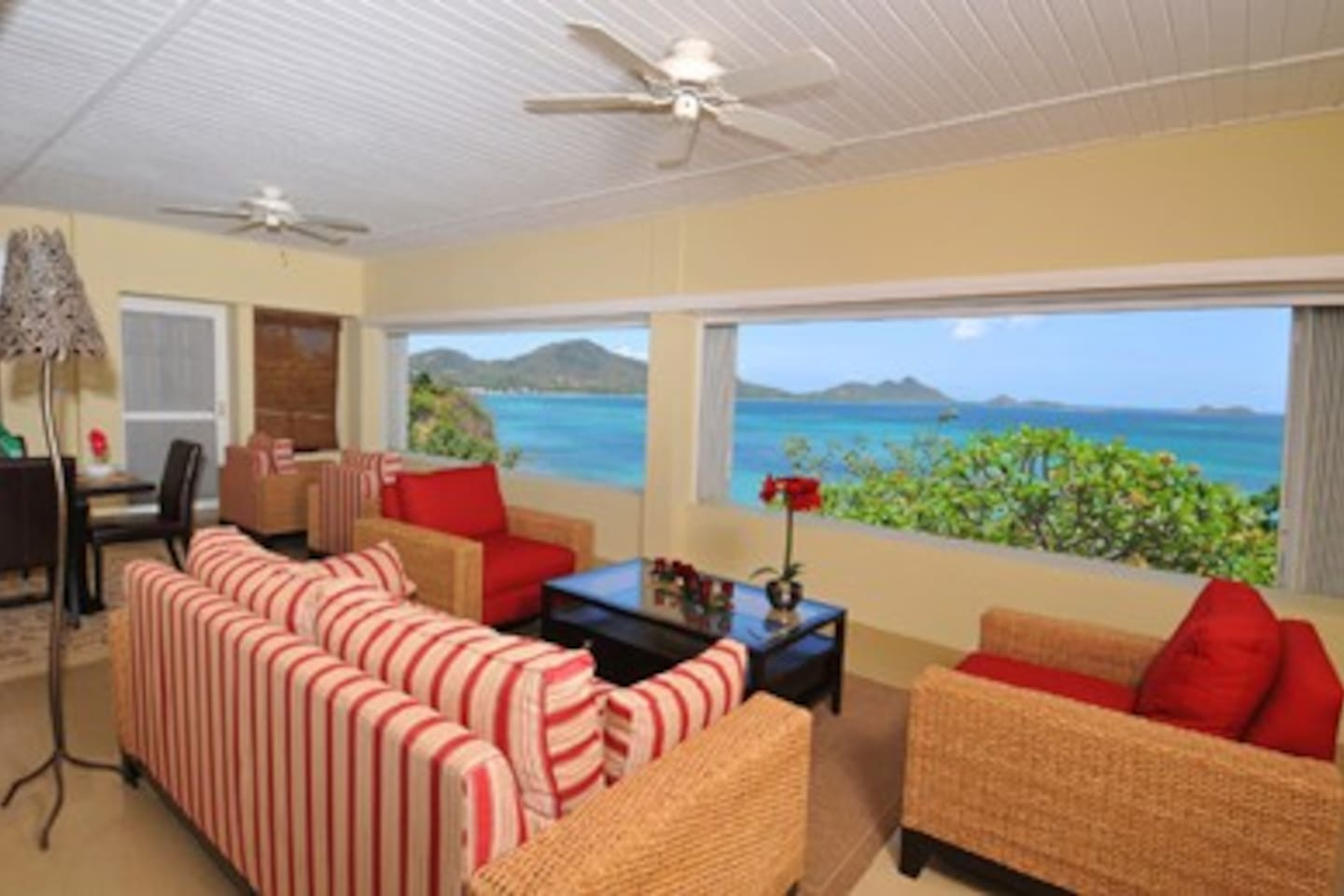 Living Room with panoramic views over the bay and town
