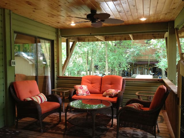 Gorgeous Cottage by Cape Fear River - Elizabethtown - บ้าน