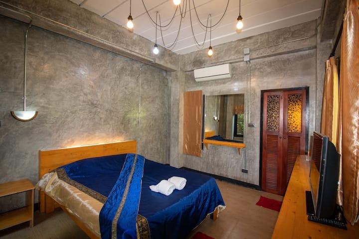 Deluxe Queen Room at W Hostel