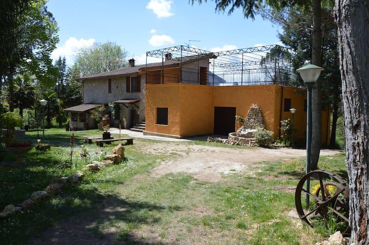 Casale Umbro - Villa San Faustino