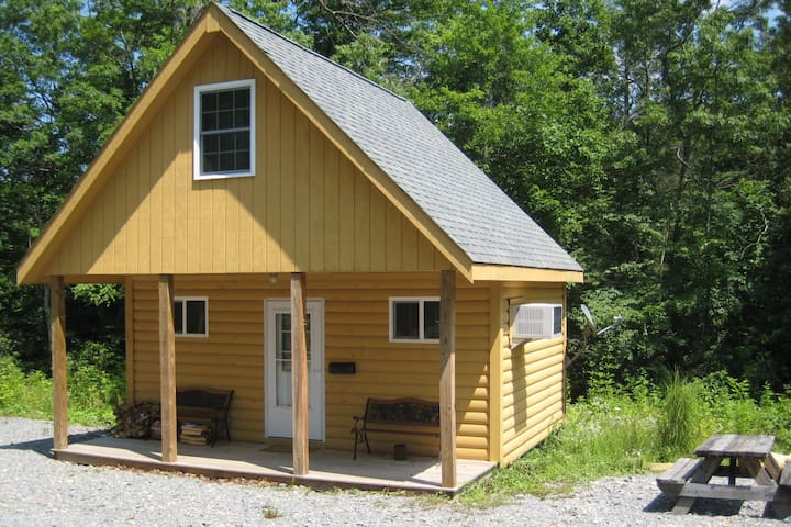 New River Cabins #3-Fayetteville close to NewRiver