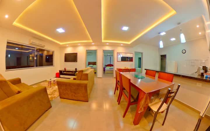 Casa moderna piscina aquecida  espaço Home-Office