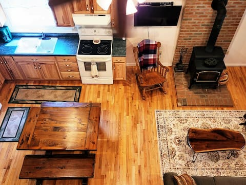 Charming, 3 bedroom cabin in Sullivan County, PA