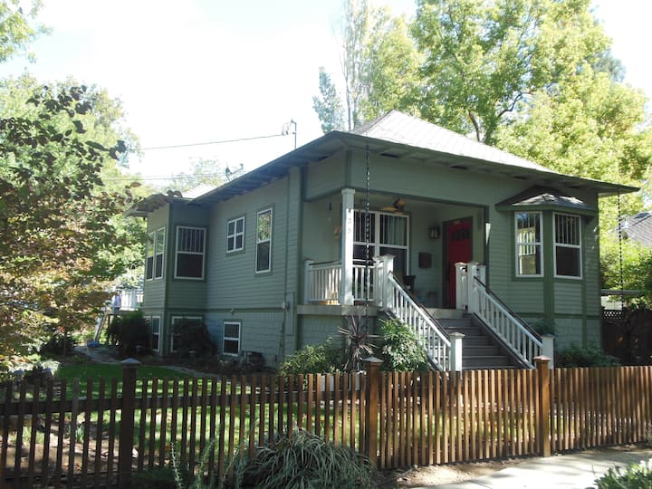 Extraordinary Downtown Chico Home (30+ day only)