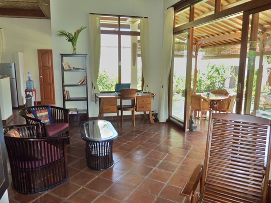 Villa Damai-Spacious stylish living