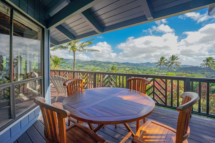 Two-story house w/ wraparound lanai, WiFi, amazing views
