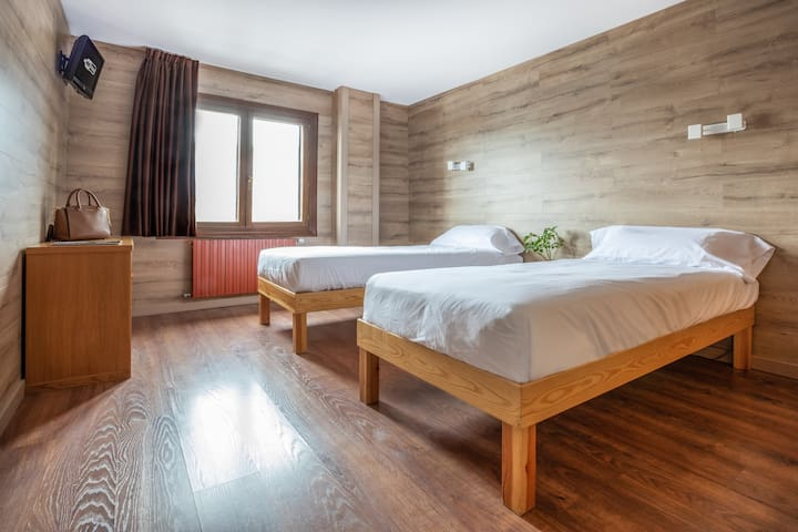 Double Twin Room - Pistes de Ski