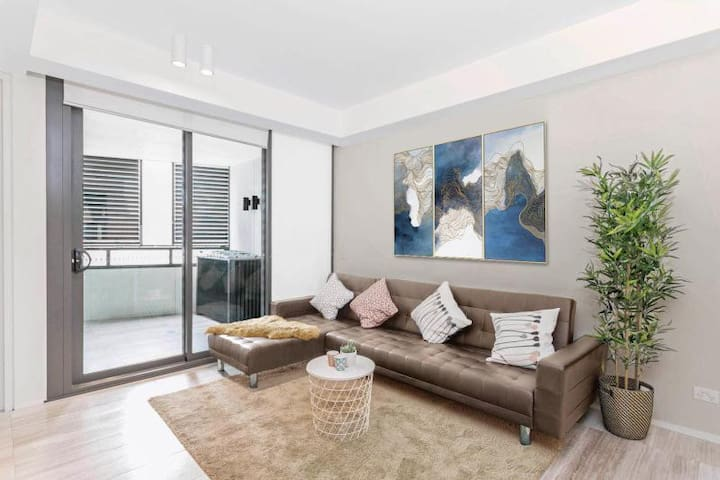 CITY 2BR by ICC & Darling Harbour with Parking