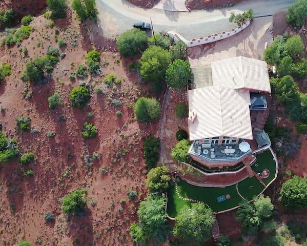 villa with casita- panoramic views, hot tub,