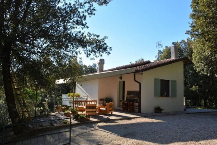 Relaxing Villa in Rofrano near Tennis Court and Town Centre
