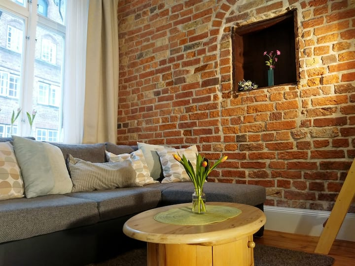 Schönes Apartment in HL Innenstadt (102)