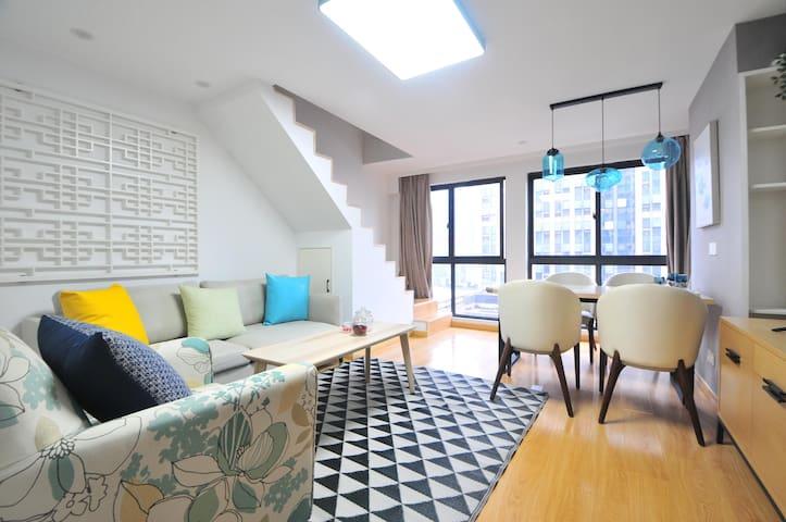泰富萍寓,南湖区清新雅致loft两房公寓