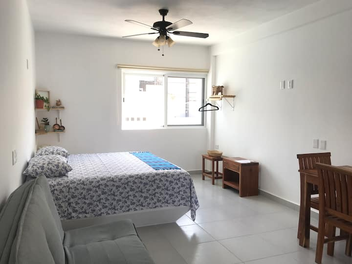 Cozy loft with king size bed in DT Cancun
