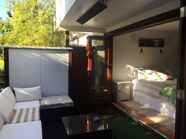 Spacious Auckland City Apartment - Auckland - Bed & Breakfast