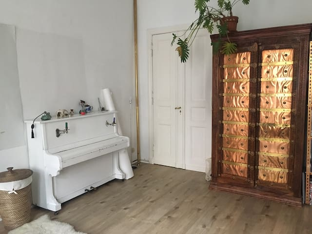 Welcome to our beautiful room in Neukölln