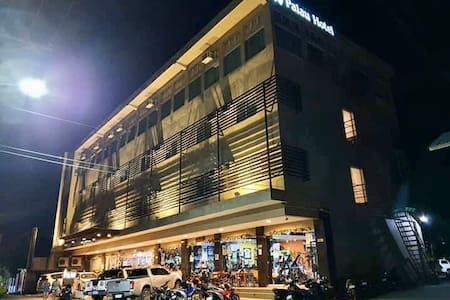 Palau Hotel Heart of the City