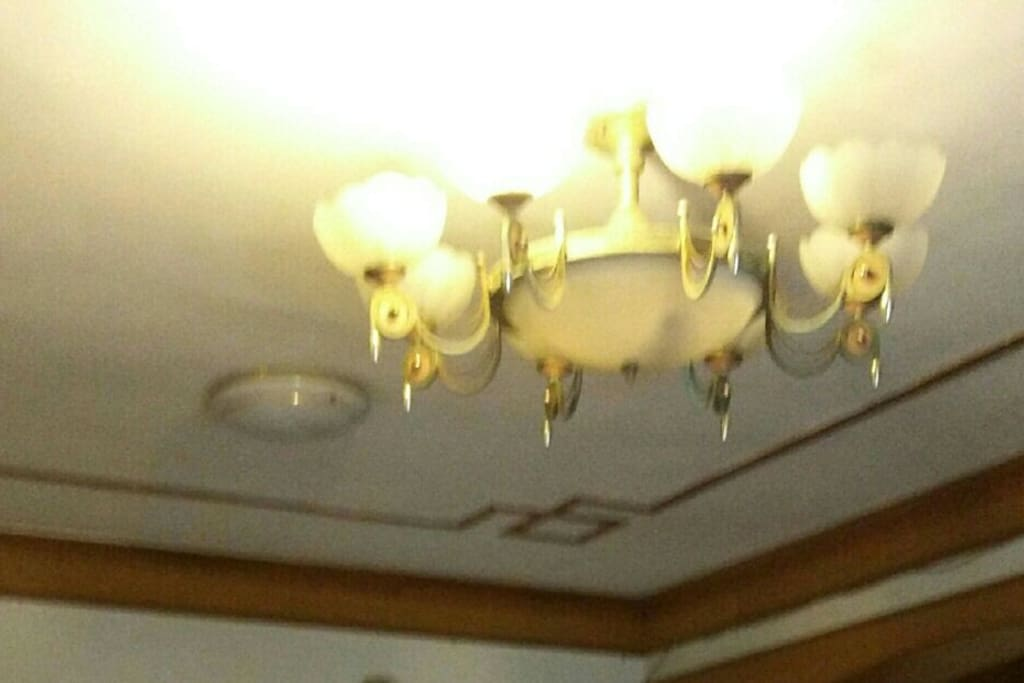 灯光明亮好心情,节电可开一盏灯