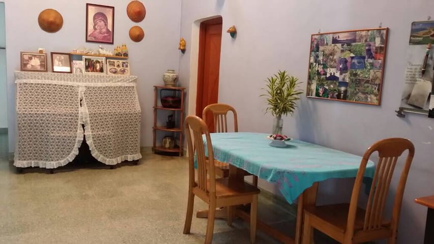 Super homely and hipster homestay!