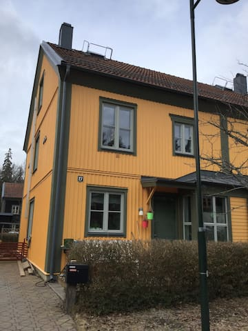 Hyra radhus i Stockholm över påsken - Botkyrka - House