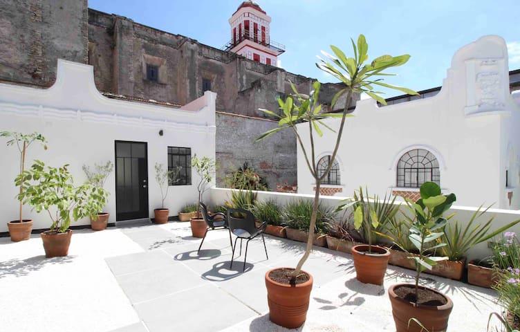 Cómodo estudio en el corazón de Puebla