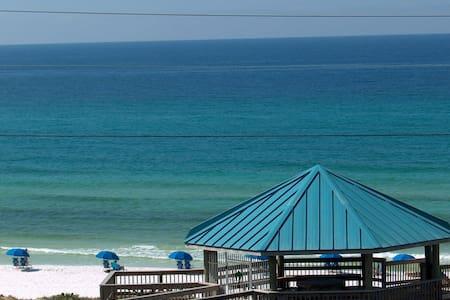 Spacious condo has great beach view - Miramar Beach