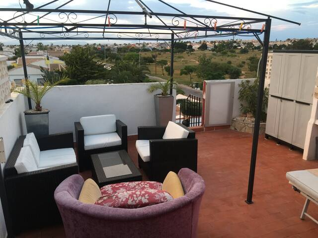NICE PENTHOUSE, VIEWS, TERRACE, FREE WIFI, PRIVAT