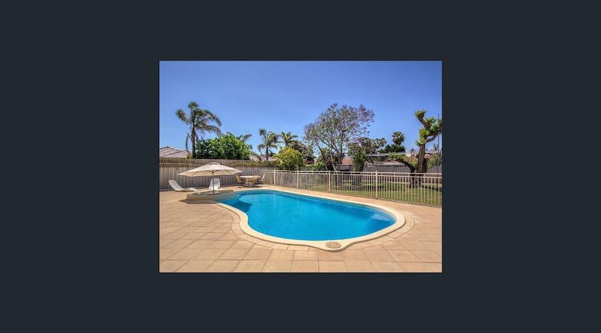 Beachside Location Palm Beach - Rockingham - Casa