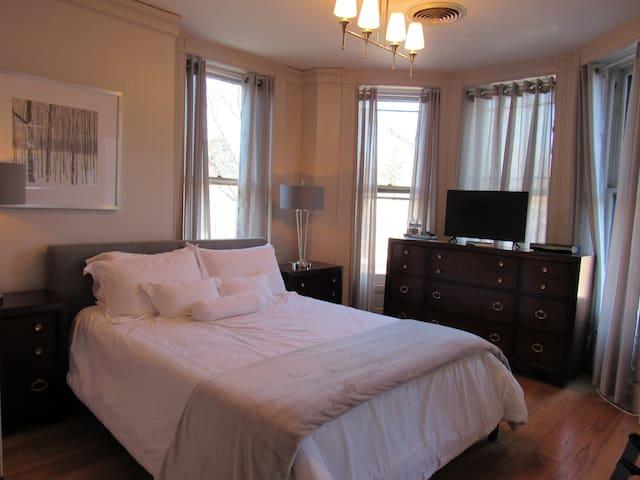 Washington Park Inn Suite 6