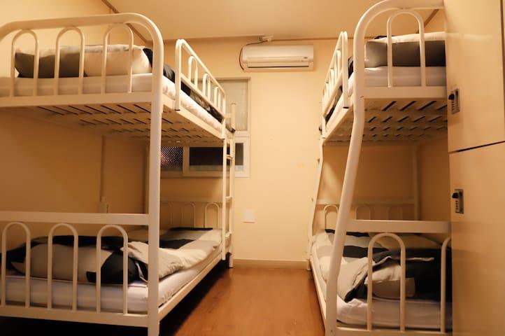 여성전용 패밀리룸(4-Bed Female Private room) #1