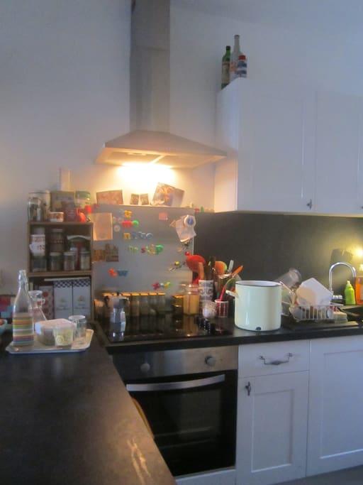 Jai un blog de cuisine = je cuisine, donc possibilité de partager des repas.