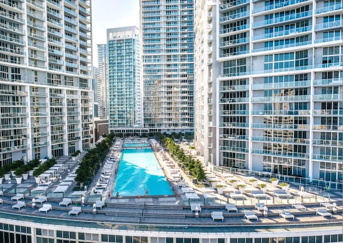 Breathtaking★ 36th Floor View ★  Icon Brickell