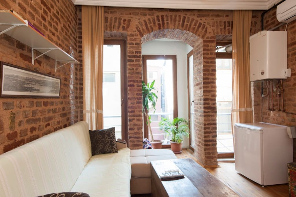 One-Bedroom Apartment at Taksim