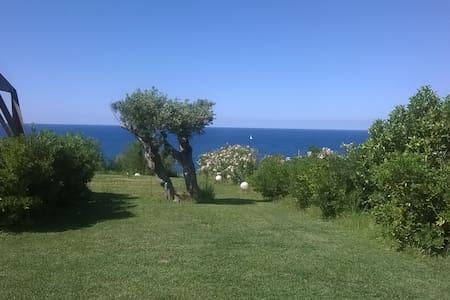 sud-reale miniappartamento tra verde e mare - Crotone - 独立屋
