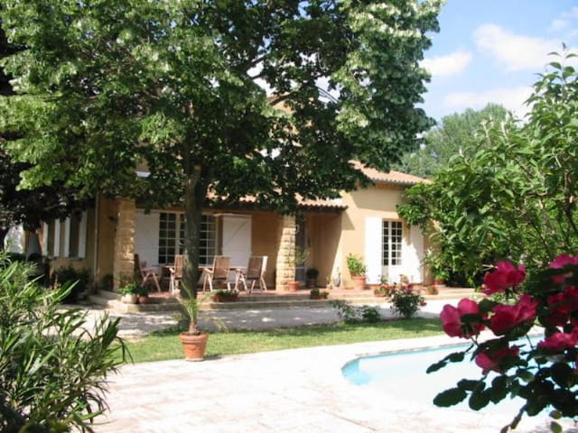 VILLA ACACIA - AVIGNON -Provence - Rochefort-du-Gard - Villa