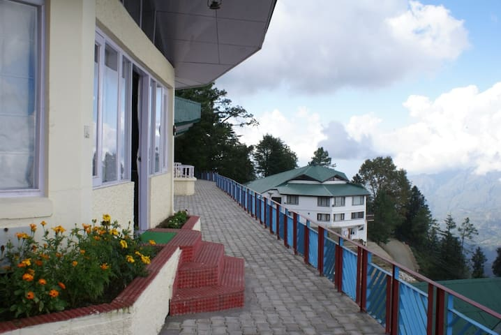 Kufri Holiday Resort - One Bedroom Cottage