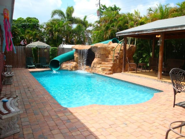 Tropical Pool Home and Pavilion - Fort Lauderdale - Casa