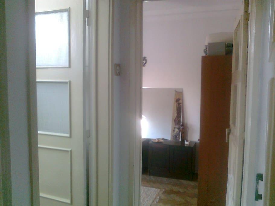 espaço quarto + WC privado