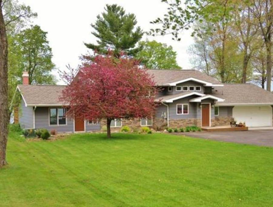Beautiful lake home on mille lacs h user zur miete in for Garage des milles lacs