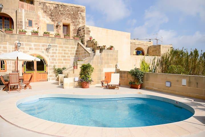 Mithna Tal Patrun - L-Għarb