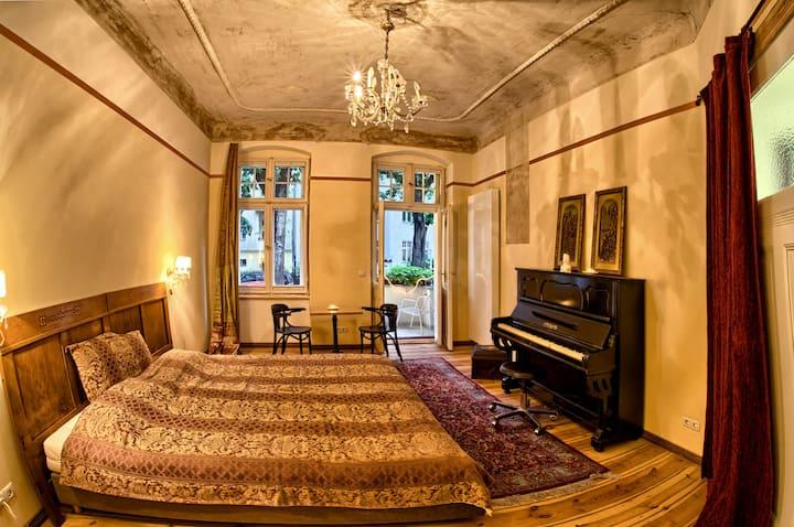 Klavierzimmer in Tempelhof