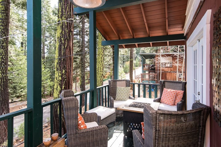 The Love Nest: Tahoe City Home in the Pines - Tahoe City