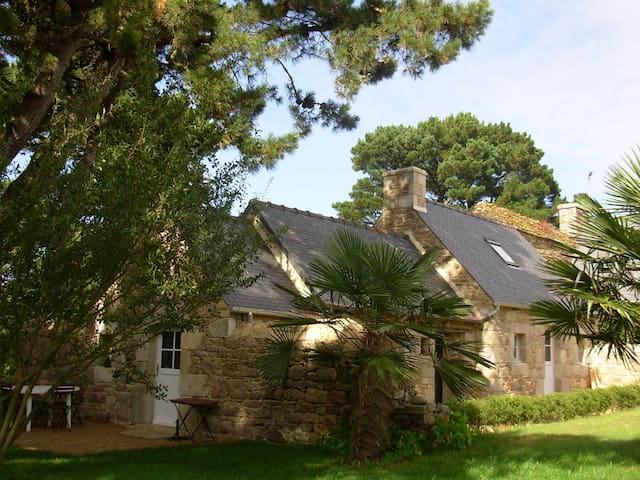 charming typical house by the sea - Penvénan - House