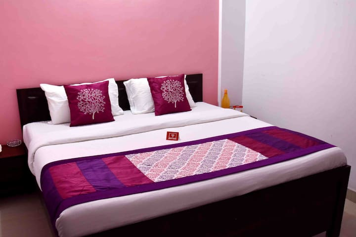 Feel at Home with Hotel Amenities service & Food
